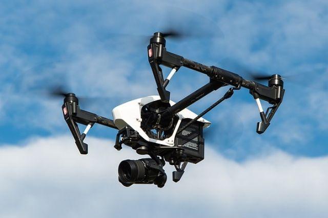 В ближайший месяц планируется запустить дрон, который будет следить за образованием наледи и снежных масс на кровлях нежилых зданий.