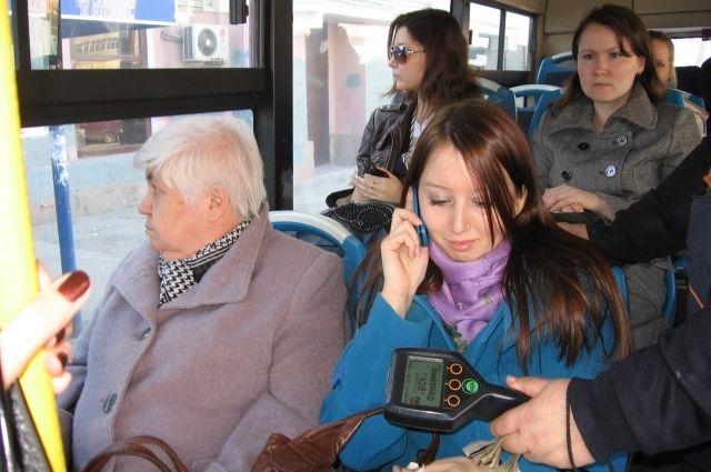 Пассажиры автобусов маршрута №18 и №54 первыми услышали оповещения об остановках и другую важную информацию на национальном языке.