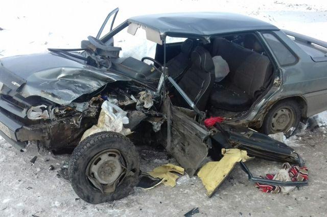 В Новосергиевском районе в ДТП с Opel погиб водитель «ВАЗа»