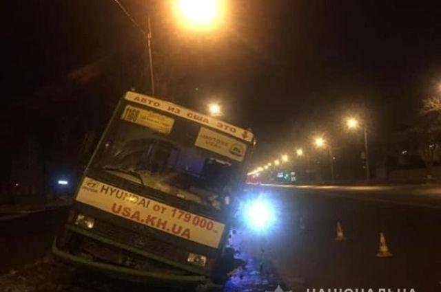 В Харькове старший сержант полиции охраны Сергей Кариков спас пассажиров маршрутки от ДТП.