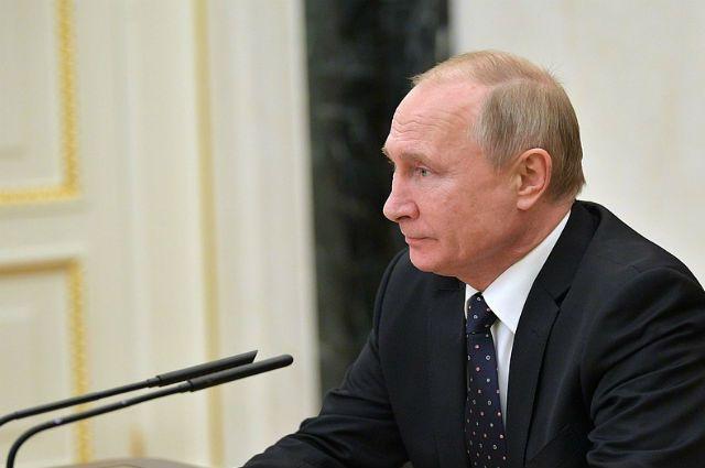 Президент России также поручил создать межведомственный оперативный штаб по обеспечению безопасности на Студенческих играх.