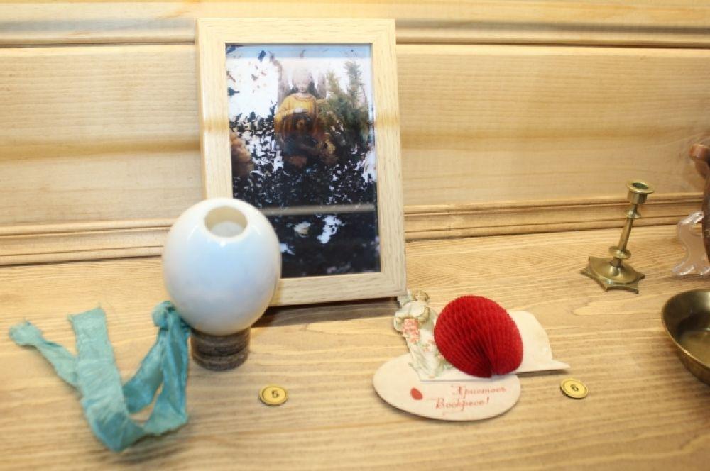 Пасхальное яйцо с сюрпризом внутри и 3-Д открытка.