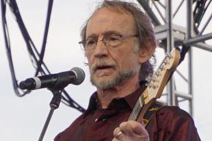 Умер экс-гитарист The Monkees Питер Торк