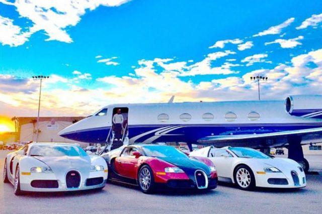 Мэйуэзер: «Потратил 6,2 миллиона долларов всего лишь на эти три машины»