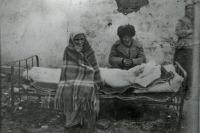 Многие на чужбине болели и умирали.