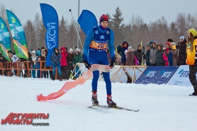 В марафоне на 50 км победил Михаил Матренцев из посёлка Первомайское Ленинградской области.