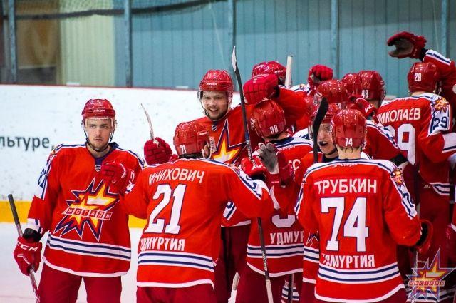 Ижевские хоккеисты победили в последнем матче сезона.