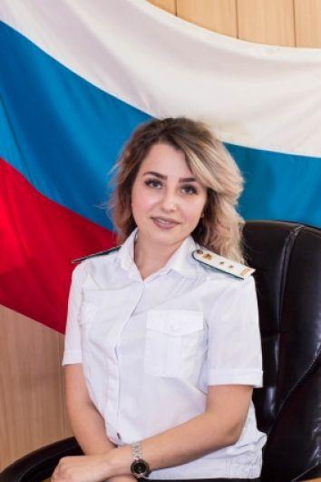Анна Альшанская, работает в должности судебного пристава-исполнителя отдела судебных приставов по Индустриальному району Хабаровска