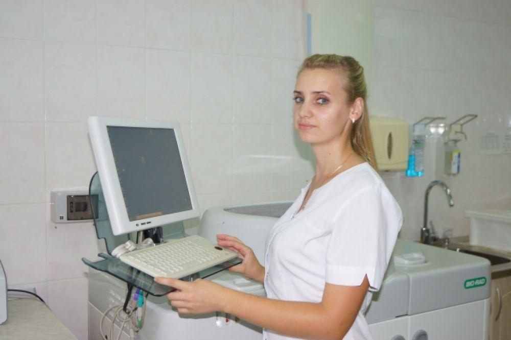 Ястреб Наталья, медицинский лабораторный техник иммуногематологической лаборатории КГБУЗ «Краевая станция переливания крови».