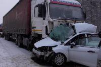 Авария случилась 23 февраля на 144-м километре автомобильной дороги «Подъезд к городам Ижевск и Пермь от автодороги М-7 Волга».