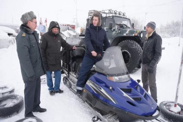 На Ямале проверят документы у владельцев мотосаней и снегоходов