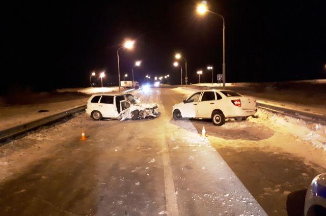 В Орске в ДТП с двумя «Ладами» пострадали четыре человека