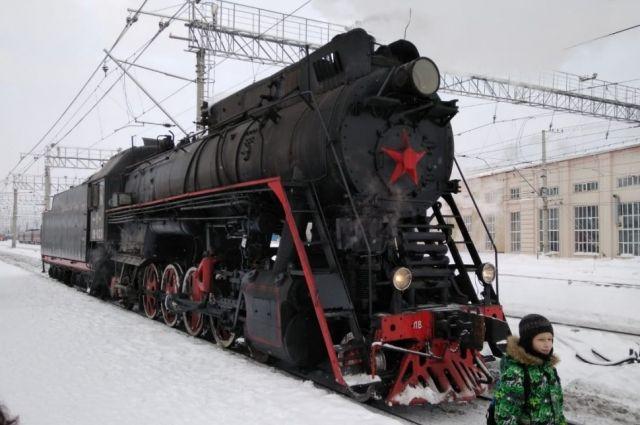 Во время путешествия по городу экскурсовод будет рассказывать пассажирам историю Перми.