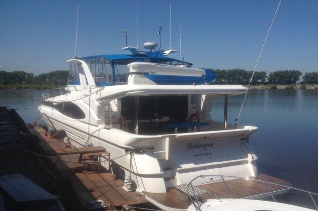 Правительственная яхта «Виктория» выставлена на продажу в Хабаровске.