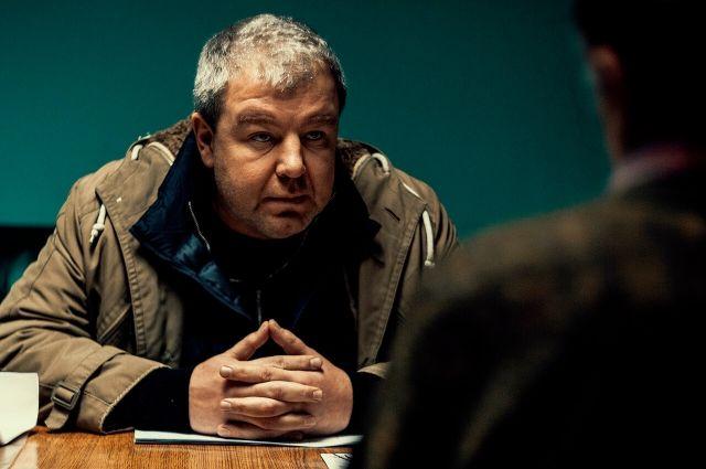 В одной из главных ролей снялся Александр Робак.