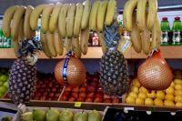 Фрукты и овощи на прилавках местных магазинов встречаются редко.