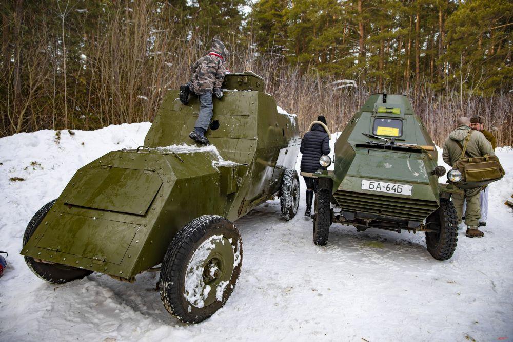 Большой интерес зрителей вызвали макеты оружия и военной техники.