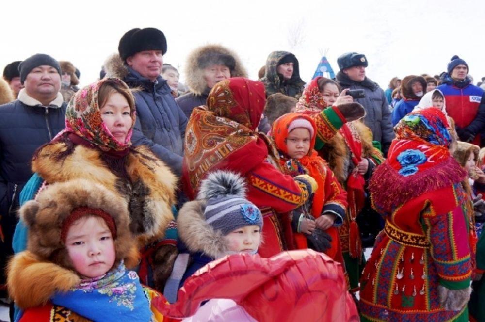 Праздник на Кар-Нате собрал более двух тысяч зрителей, как из поселений района, так и из других муниципалитетов Ямала.