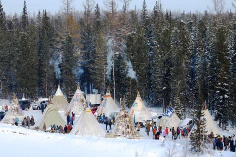 По традиции, во время соревнований была организована выездная торговля, открыты точки с горячим чаем и выпечкой.