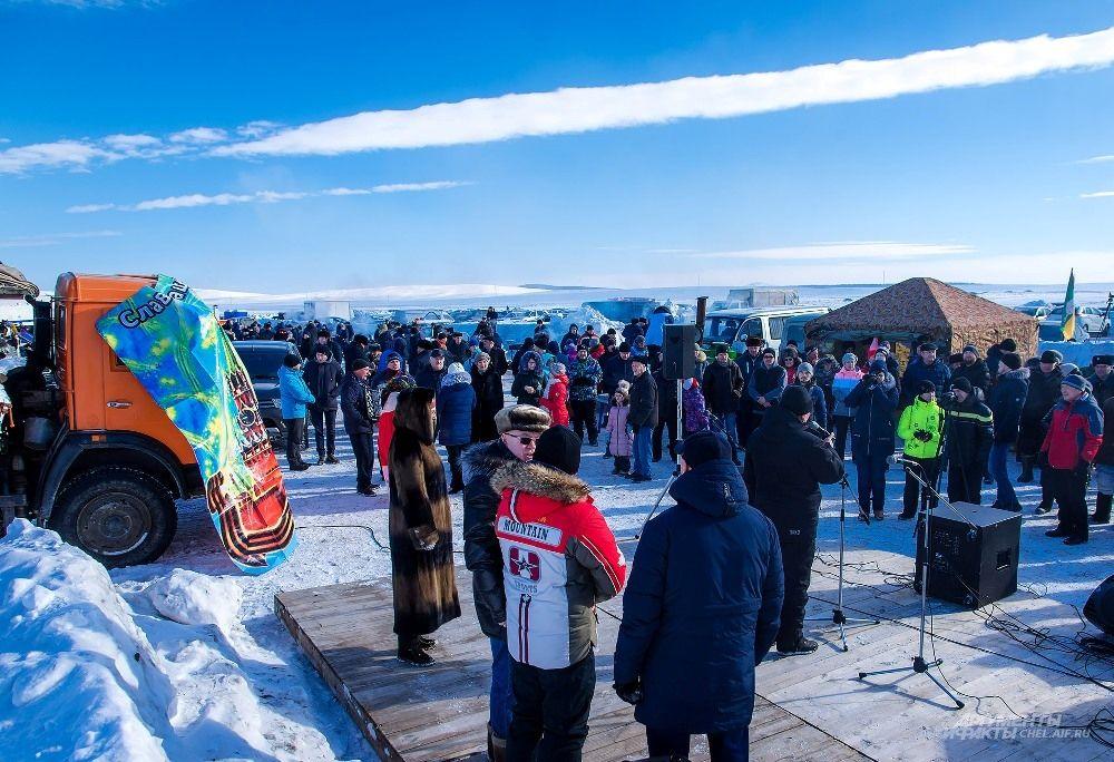 Соревнования ежегодно собирают десятки участников и тысячи зрителей.