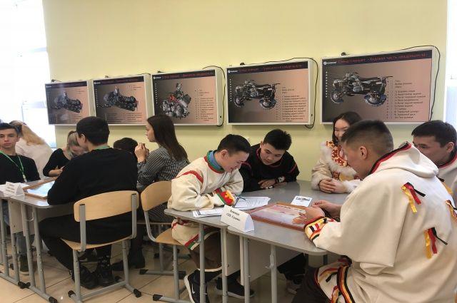 В Салехарде студенты стали участниками игры «Начинающий фермер»