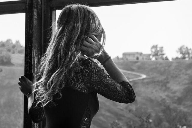 Женщина не имела постоянного места жительства и вела асоциальный образ жизни.