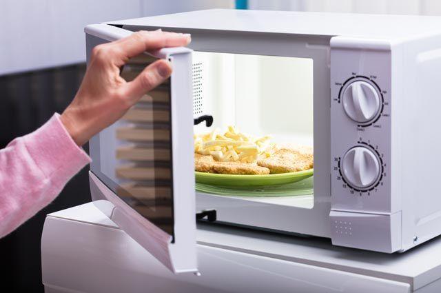 Обед в микроволновке: правильно разогреть и приготовить простые блюда | Бытовая техника | Кухня | Аргументы и Факты