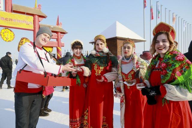 Масленицу в Сибири отмечают широко.