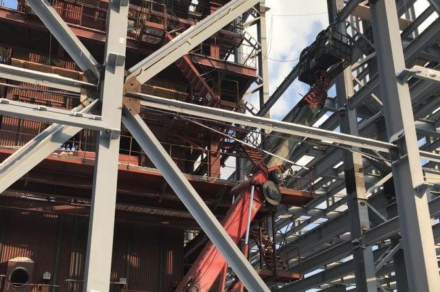 Оборвался трос: в Новотроицке на предприятии погибли два работника