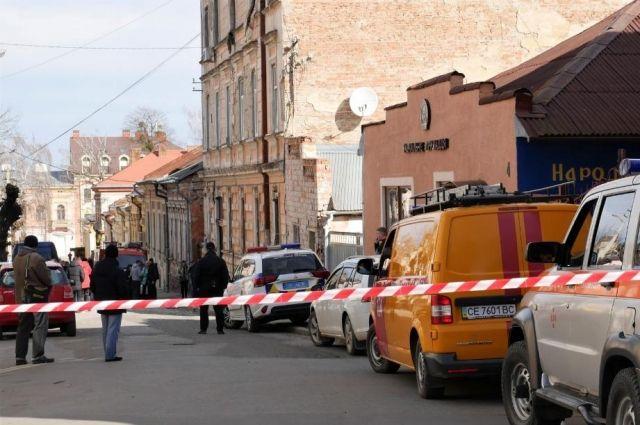 В Черновцах произошел взрыв в жилом доме: есть пострадавшие