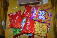 Таможенники не пропустили в Оренбуржье 1,5 тонны украинских конфет