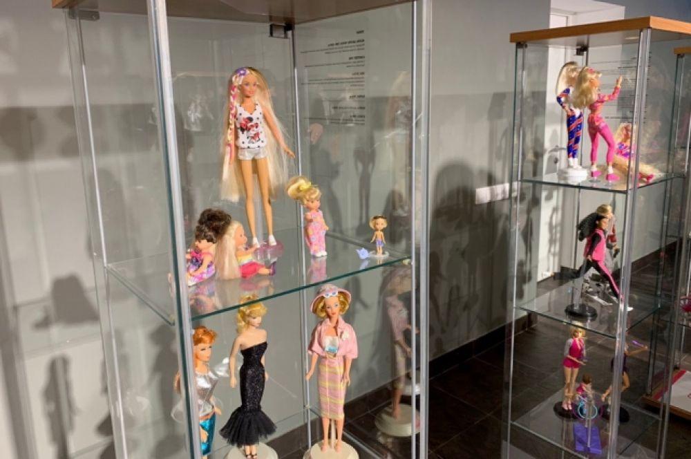 Создательницей популярной куклы стала Рут Хэндлер, супруга основателя фирмы Mattel.