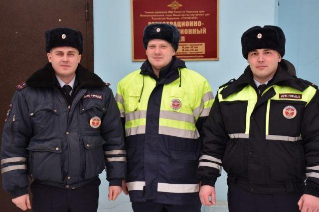 Полицейские спасли предпринимателя из Ижевска, застрявшего на трассе в тридцатиградусный мороз.