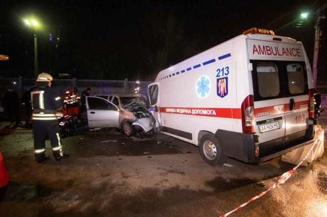 В результате аварии погибли все, кто находится в легковом авто: водитель-мужчина и две женщины-пассажирки.