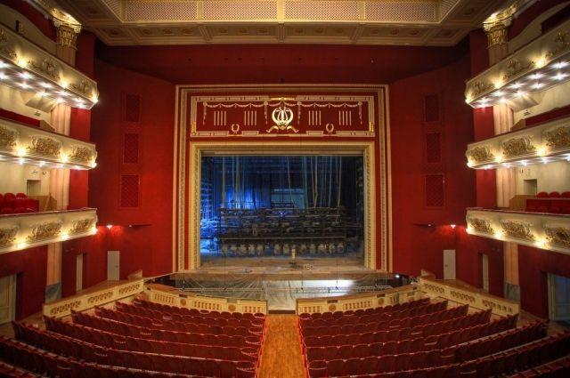 В Викуловском ДК открыли театр