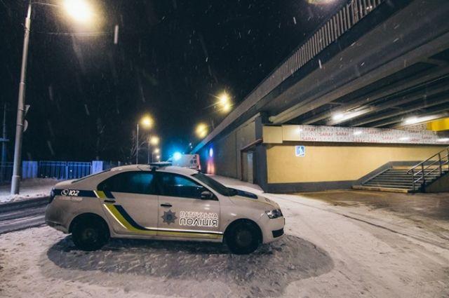 На улице Полесской в Киеве, в субботу, 2 марта, трое неизвестных силой затолкали мужчину в авто и увезли в неизвестном направлении.