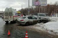 В Оренбурге в ДТП пострадали трое несовершеннолетних пассажиров.