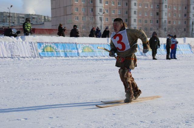 В Надыме в лыжной эстафете отличились оленеводы Ямальского района