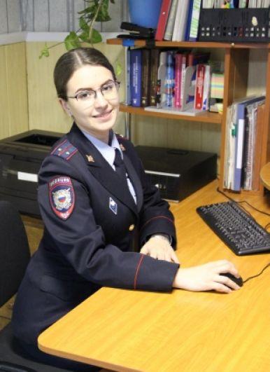 Огурцова Наталья, участковый уполномоченный полиции пункта полиции №1 УМВД России по Ульчскому району. Увлекается мыловарением, художественной фотографией.