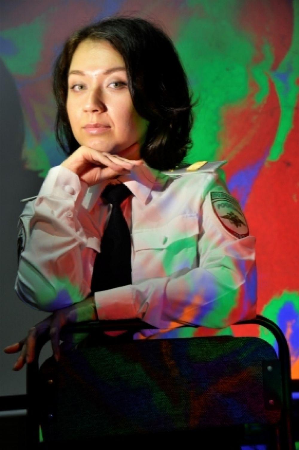 Ольга Парадеева, служит в должности полицейского отдельной роты охраны и конвоирования подозреваемых и обвиняемых УМВД России по г. Комсомольску-на-Амуре.