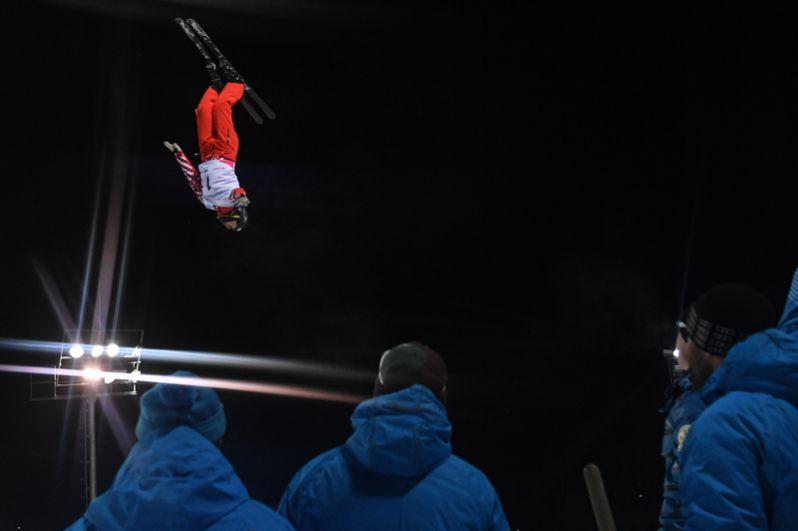 Максим Буров (Россия) на соревнованиях по фристайлу в дисциплине лыжная акробатика среди мужчин на XXIX Всемирной зимней Универсиаде 2019.