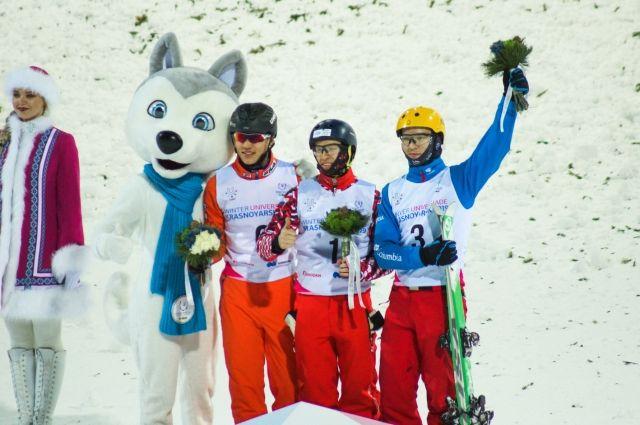 У женщин золото завоевала спортсменка из Белоруссии Александра Романовская.