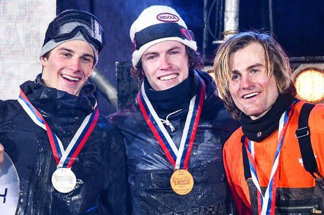 Владислав Хадарин (Россия), серебро; Себастьян Коненберг (Франция), золото; и Николас Хубер (Швейцария), бронза.