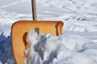 Некачественная уборка снега с дорог, тротуаров и крыш стала объектом внимания городских властей.