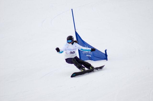 Сноубордисты выступят в параллельном гигантском слаломе.