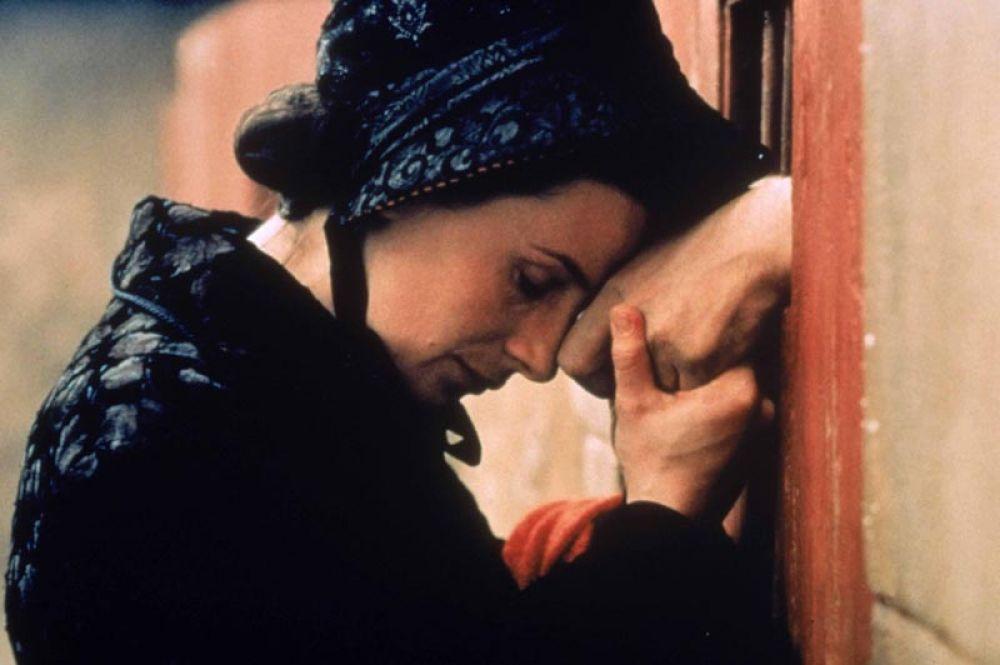 «Вдова с острова Сен-Пьер» (2000) — Паулин (мадам Ла).