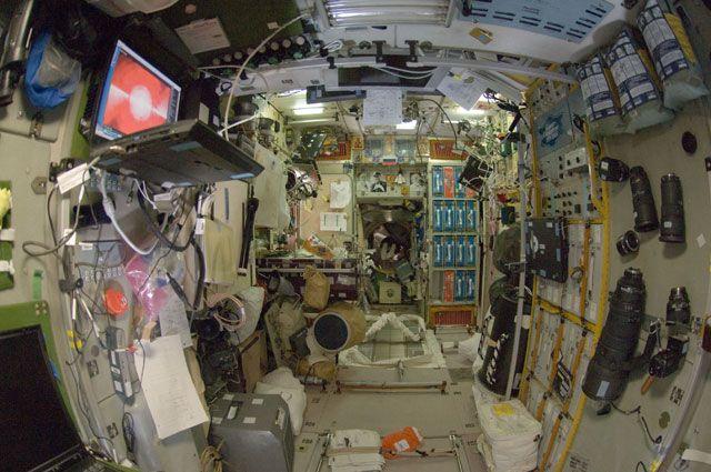 Источник РИА Новости сообщил о запахе спирта на МКС после стыковки Dragon-2 - Real estate