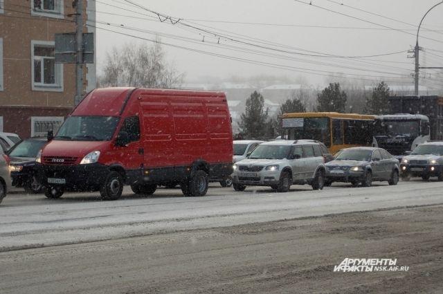 Неисправные светофоры в центре Новосибирска стали причиной пробок