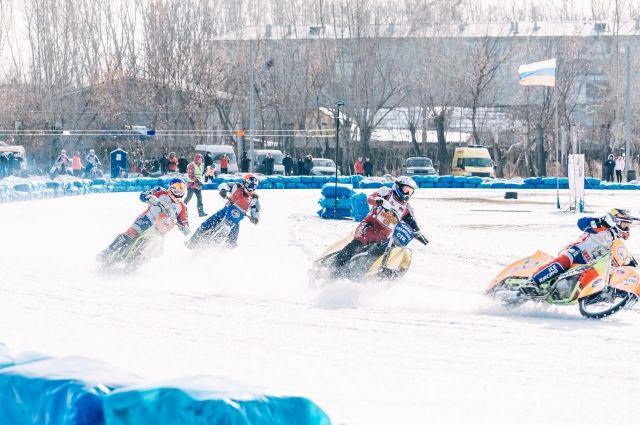 Ледовый спидвей - один из самых молодых, зрелищных и азартных видов спорта.