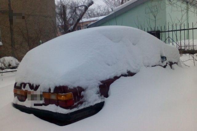 Прокуратура наказала главу муниципального образования за плохую уборку снега.